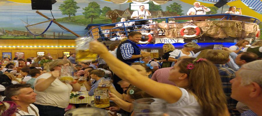 Oktoberfest salute